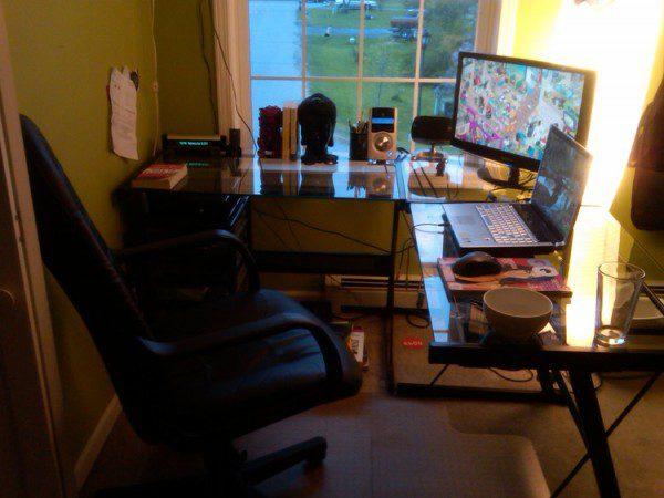 Рабочее место трейдера – вариант небольшого кабинета